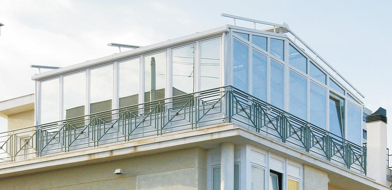 Come trasformare un balcone in una veranda da sogno senza for Infissi balcone